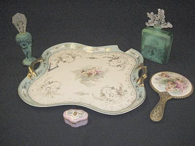 14: Group lot of Vanity pieces