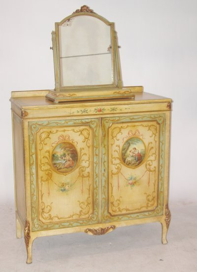 1509: Adams style paint decorated chest with mirror