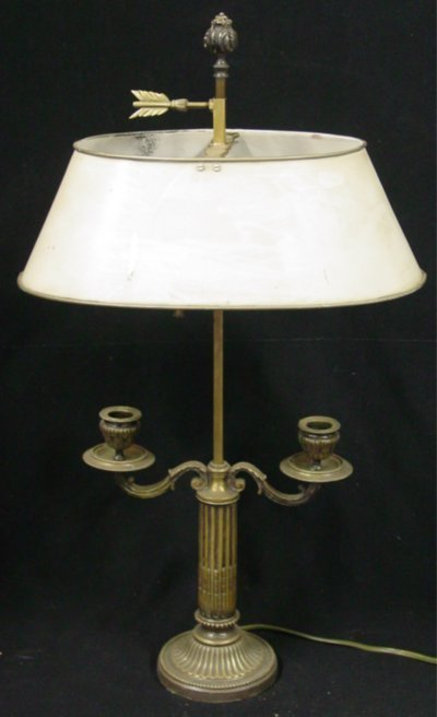 15: Bronze two light desk lamp with tole shade