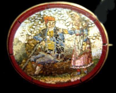 611: 14tk gold oval mosaic pin