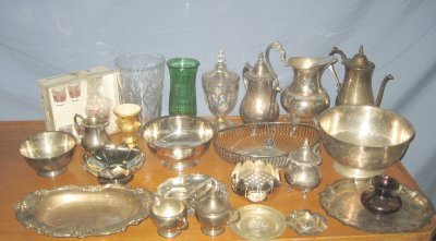 601: Box of silver plate