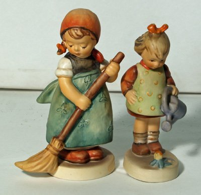 608: 2 Hummels Little Sweeper & Little Gardener