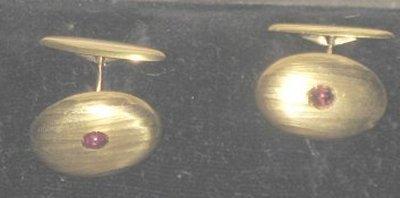 620: Russian gold cufflinks