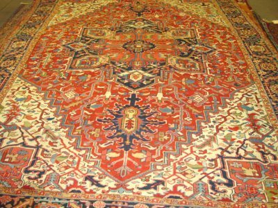 1000A: Antique Heriz rug