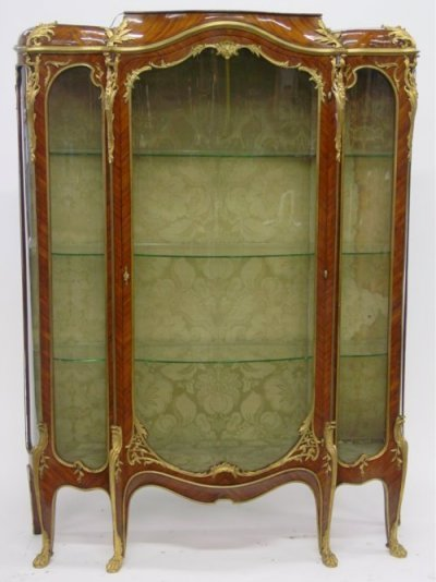 1325: Louis XV style tulipwood & kingwood vitrine
