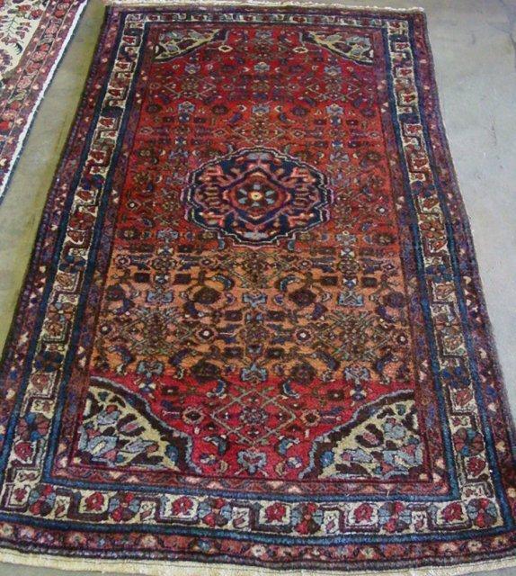9: Hamadan rug