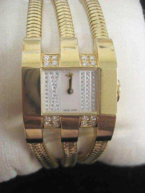 545: Van Cleef & Arpels ladies 18kt gold watch