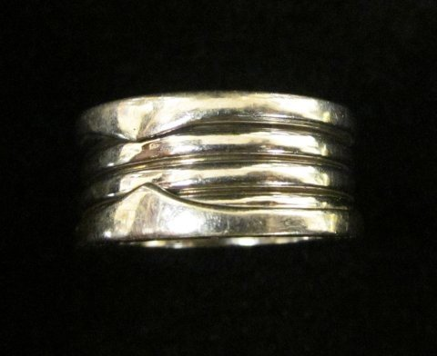 503A: White gold spiral band