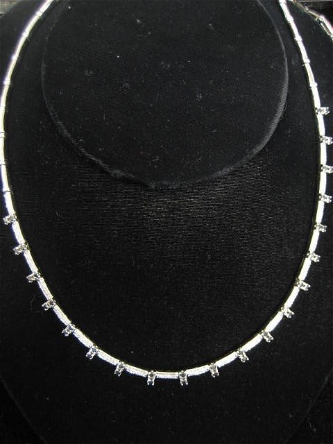 507: 14kt white gold, diamond & sapphire necklace