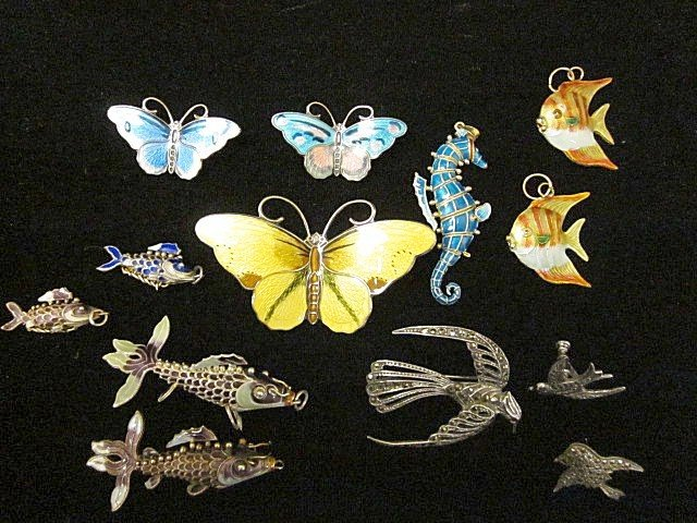 1502: Group lot of assorted jewelry