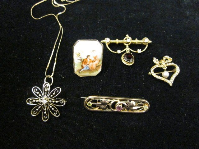 1506: Group lot assorted jewelry