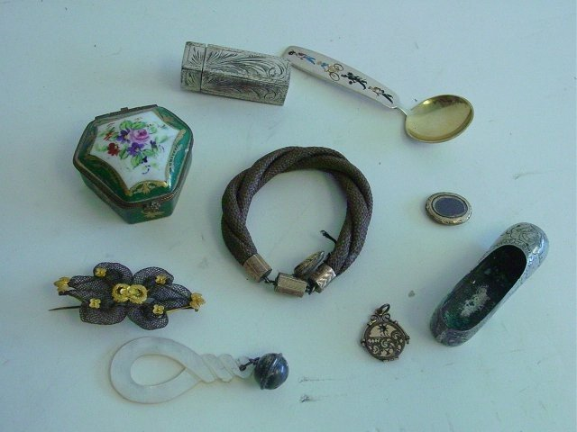 1508A: Group lot of asorted smalls & jewelry