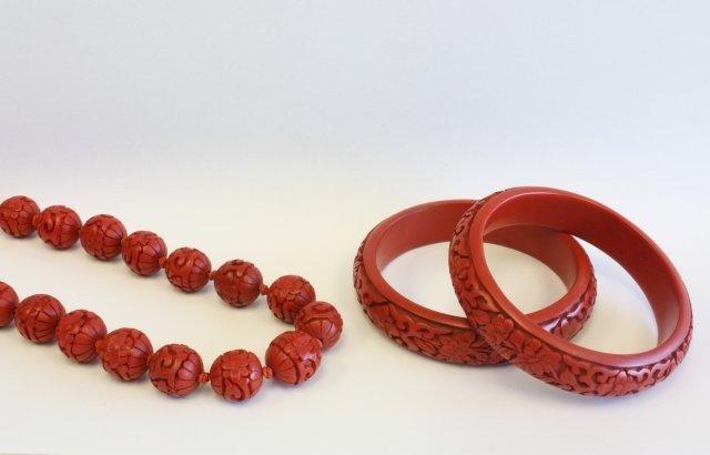 500A: 2 cinnabar bracelets & cinnabar beaded necklace