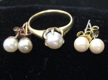507: 2 pair pearl earrings & 14kt gold & pearl ring