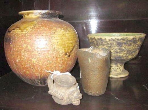 19: Group lot 4 pcs. pottery