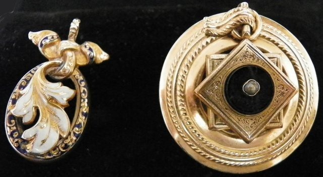 600: 14kt pendant & Victorian pendant or pin