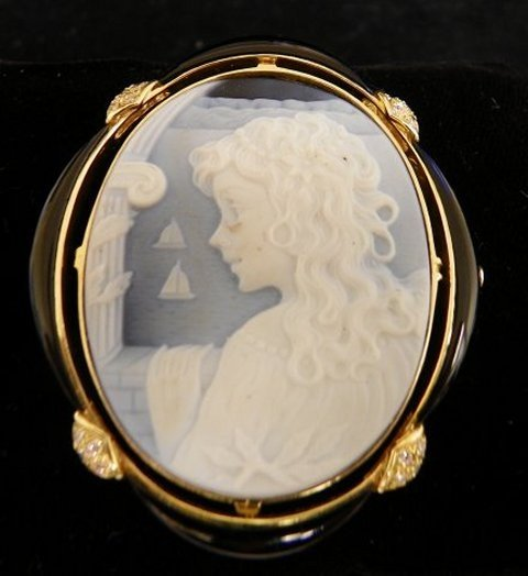 605: 18kt gold & diamond signed cameo pin