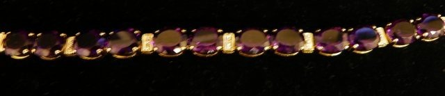 614: 14kt gold, amethyst & diamond bracelet