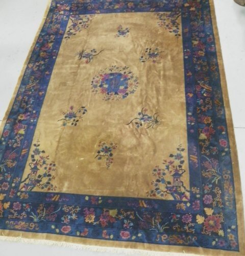 19: Fabulous semi-antique Chinese rug