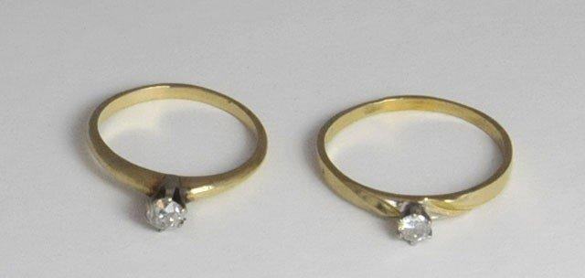 1002: 2 14kt gold & diamond rings