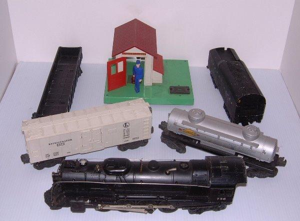 48: LIONEL TRAIN SET