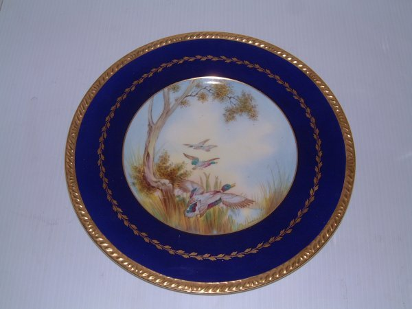 506: LATE 19TH C. HAND PAINTED SHELLY PLATE
