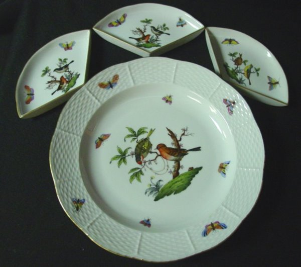 524: HEREND DECORATED TRAY