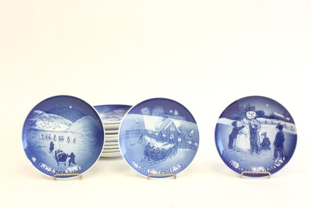 "74: 12 Bing & Grondahl ""Winter Holiday"" plates"