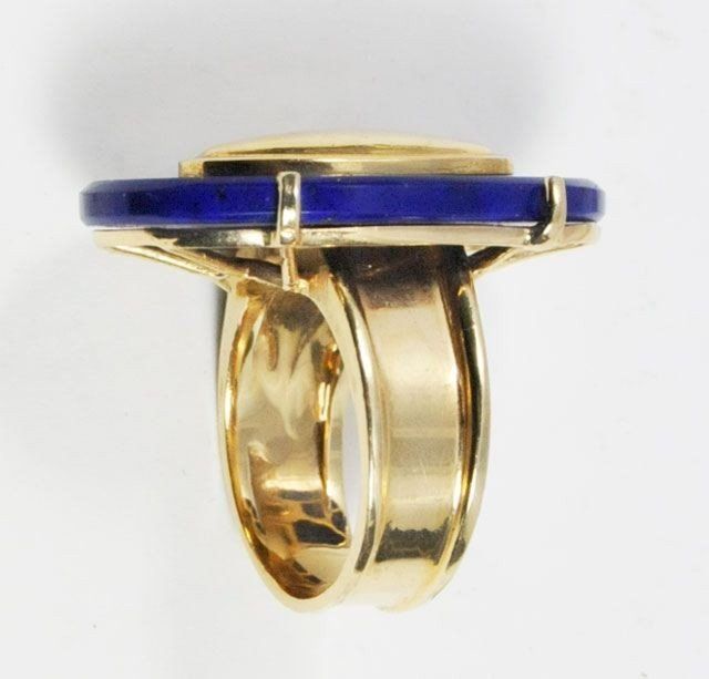 1001A: 14kt gold & blue stone ring