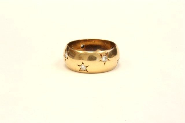 1009: Yellow gold wedding ring