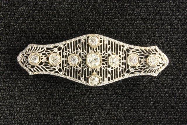 1012: 14kt white gold Victorian bar pin