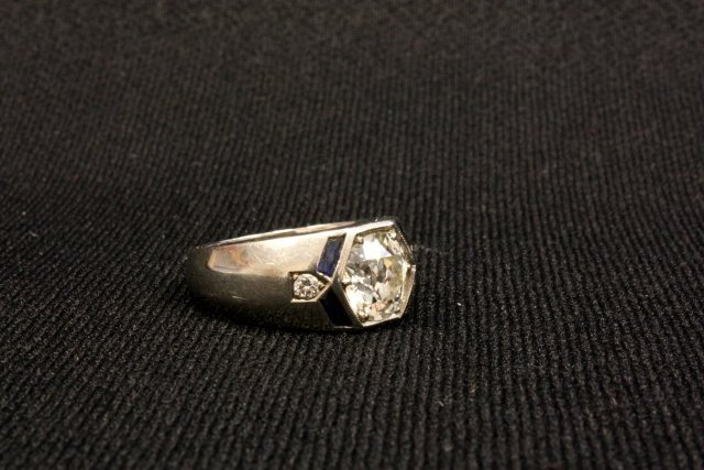 1014: Men's 18kt white gold ring with sapphires - 2