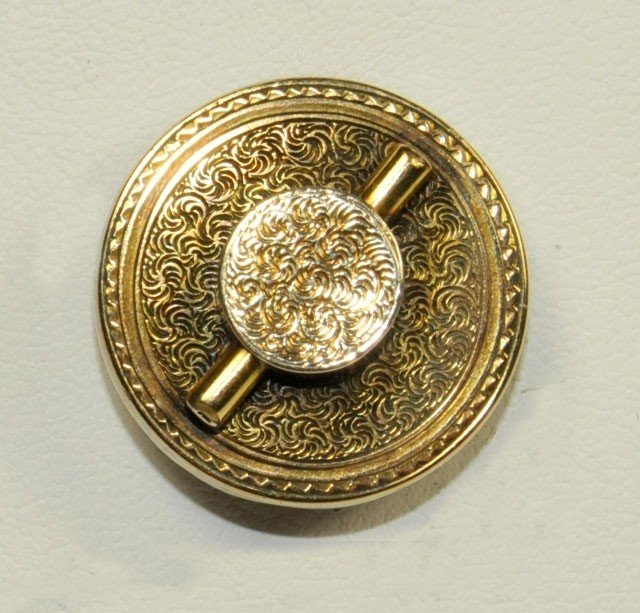 "1032: 14kt gold pin in ""Hat"" form 19th c."