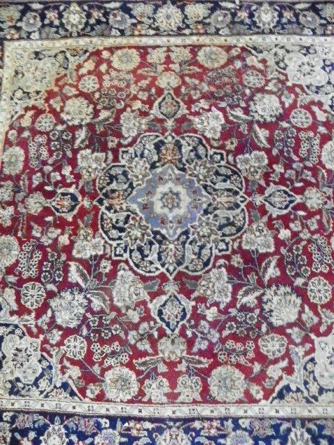 6: Center medallion rug