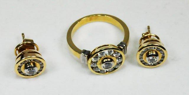 1013: 18kt gold & diamond earring & ring set