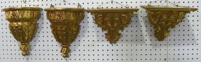 1122: Lot of 4 gilded wall brackets