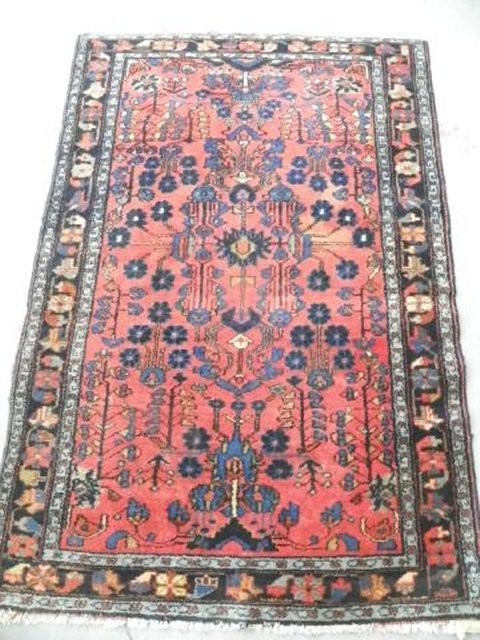 7: Oriental Hamadan rug