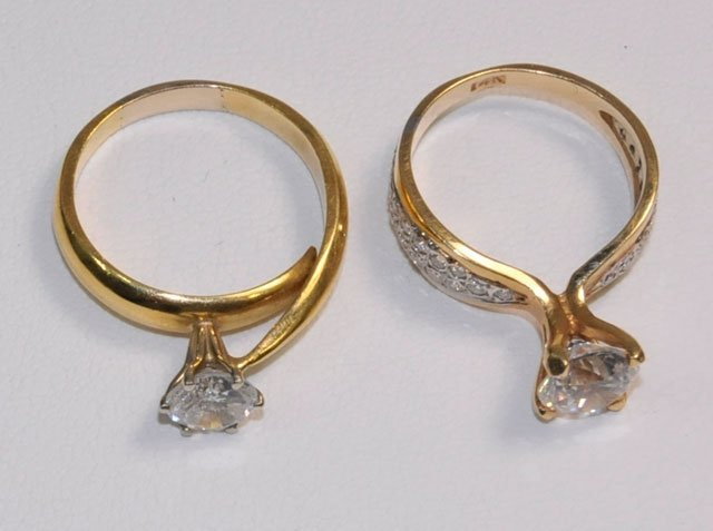 1003: 2 gold rings