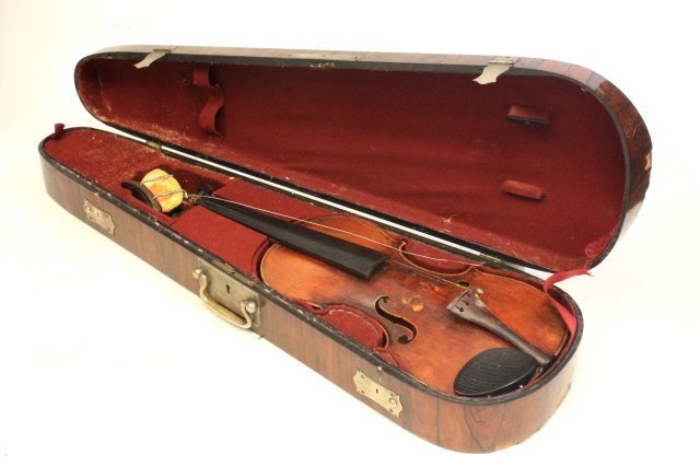 1200: Violin with wood case