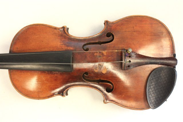 1200: Violin with wood case - 3