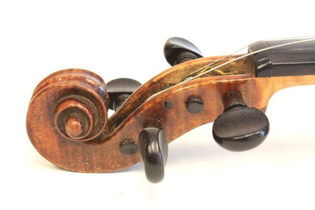 1200: Violin with wood case - 5