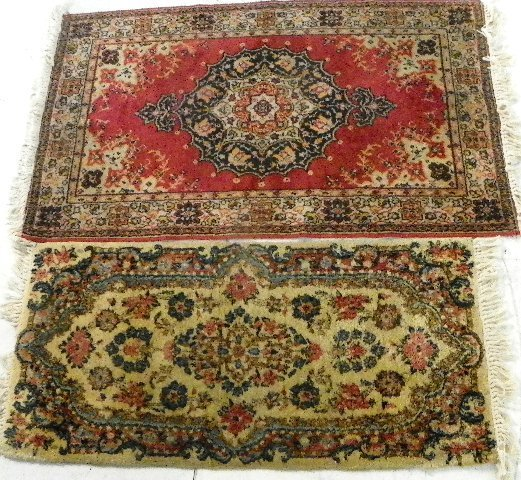 9: Ivory Kerman rug & red machine made scatter