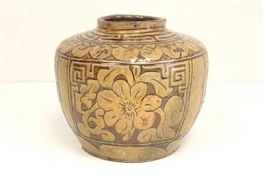 571 Ancient Chinese Style Pottery Vase