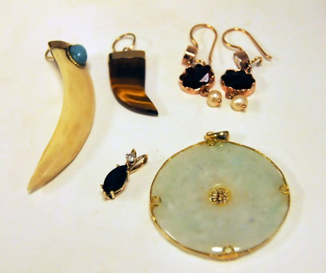 1011: lot of 6 pieces 9kt & 14kt jewelry