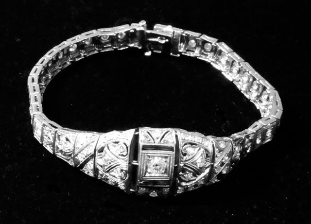 1002: Art Deco platinum & diamond bracelet
