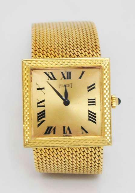 1021: 18kt gold Piaget men's wristwatch
