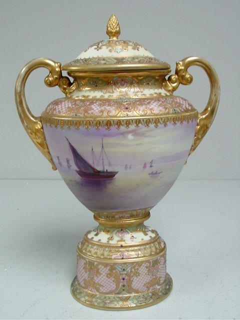 1453: Nippon covered urn