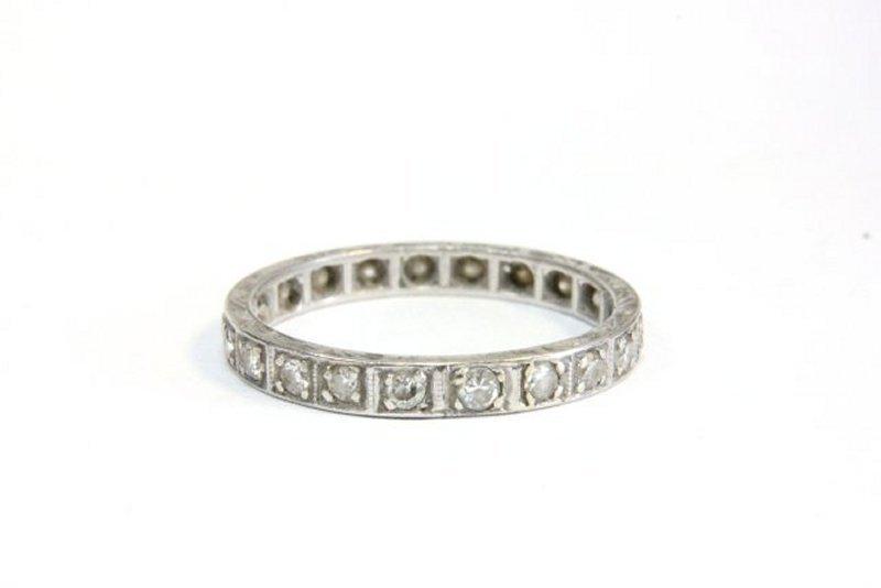 1009: Diamond wedding band