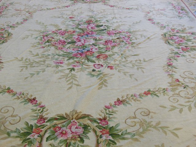 """Tapestry rug with """"Floral"""" design"""