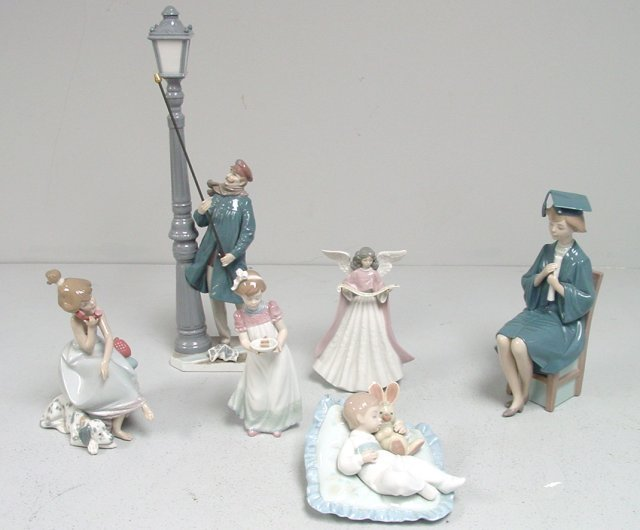 Group lot of Lladro figurines